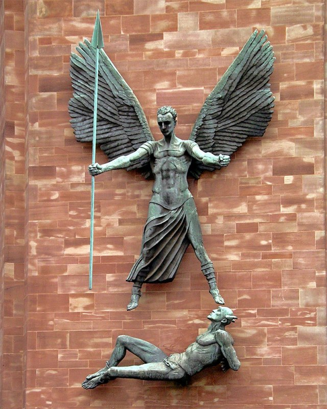 dd_st-michael-devil-sculpture