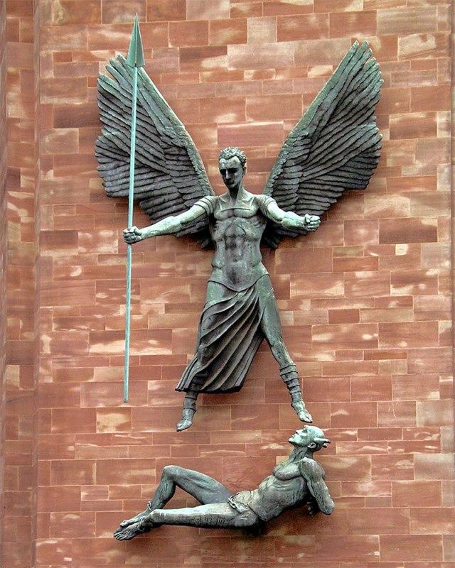 dd_st-michael-devil-sculpture